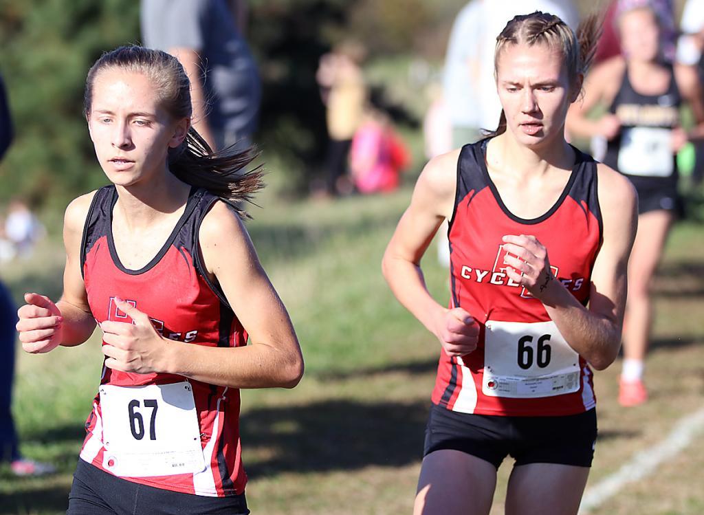 HCHS sophomore Liv Freund (left) and junior Lucy Borkowski.