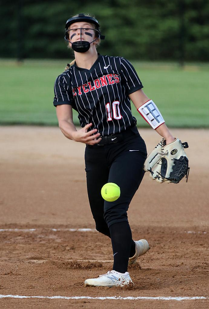 Tianna Kasperbauer delivers a pitch for the Cyclones.