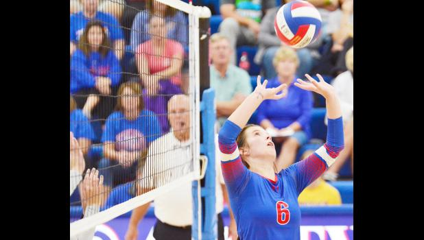 Lady Vike setter Baylee Meyers finished the three-set WIC match with 21 assists.